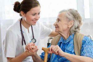 donde puede trabajar un o una auxiliar de enfermeria